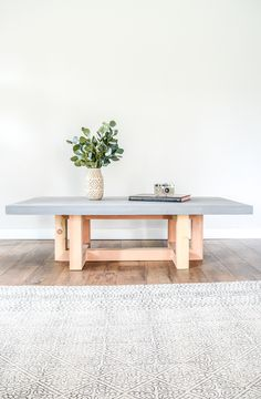 How to make a DIY coffee table with a concrete top