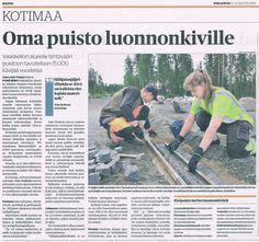 """""""Oma puisto luonnonkiville"""" Kaleva 15.8.2014. Juttu suunnittelemastamme Pyhäjärven kivipuistosta."""