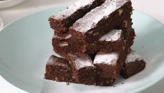 Squidgy chocolate brownies - in ten easy steps [Click though to watch the recipe VIDEO]