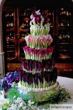 Uhmmm...wow! A flower cake! Calla Lilly is the most beautiful flower ever.