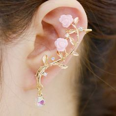 ONE PIECE Rhinestone Leaf Floral Ear Cuff - GOLDEN