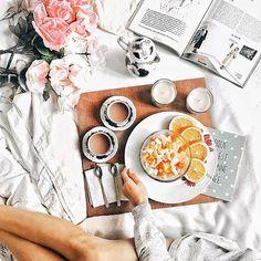 75 отметок «Нравится», 4 комментариев — I Love Flatlay (@iloveflatlay) в Instagram: «Привет!✌ Разнообразьте свои будни (или выходные) красивым завтраком с книгой или журналом,…»