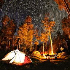 RV And Camping. Great Ideas To Think About Before Your Camping Trip. For many, camping provides a relaxing way to reconnect with the natural world. If camping is something that you want to do, then you need to have some idea How To Photograph Stars, Camp Trails, Star Photography, Photography Ideas, Camera World, Star Trails, Camping Life, Camping Hacks, Amazing Nature