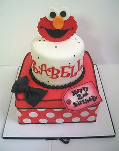 Isabelle's 2nd Birthday by Brenda's Cakes - Ohio, via Flickr