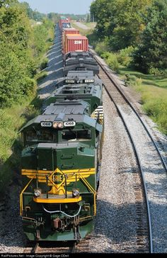 RailPictures.Net Photo: NS 1068 Norfolk Southern EMD SD70ACe at Waddy, Kentucky by Gage ODell