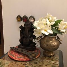 This pic is part of Anuradha Singh's Home Tour at Noida on The Keybunch decor blog - Beautiful Vignettes Old Antiques, Antique Shops, Decoration For Ganpati, London Map, Madhubani Painting, Blue Pottery, Indian Home Decor, My Furniture, Victoria And Albert Museum