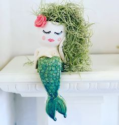 Handmade ceramic mermaid planter by Living Decor Twins Pottery Painting, Diy Painting, Face Planters, Diy Arts And Crafts, Woodworking Crafts, Flower Pots, Biscuit, Handmade Ceramic, Etsy