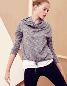 Top with hood - Yoga - Gymwear - United Kingdom