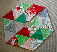 It's the most wonderful time of the year! If you've been following us for a little while, you know that we've posted free patterns for Chri...