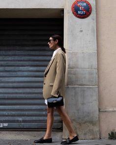 Cool Street Fashion, All Fashion, Fashion History, Street Style, Fashion Weeks, Milan Fashion, Leather Jumpsuit, Satin Shirt, Ever After