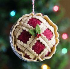 31 Cutest Christmas Felt Ornaments | ComfyDwelling.com