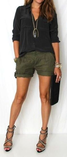 30 Casual Summer Outfit Ideas, Summer Outfits, Need ideas? These awesome Casual Summer Outfit Ideas will give you enough inspiration to look gorgeously hot and comfortable this summer! Looks Street Style, Looks Style, Mode Outfits, Short Outfits, Night Outfits, Chic Outfits, Trendy Outfits, Winter Outfits, Look Fashion