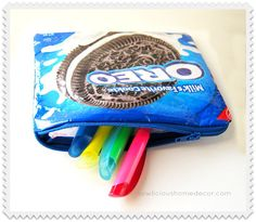 Oreo Pen and Pencil Zipper Bag Tutorial. Pin Count:1.3K sewlicioushomedecor.com