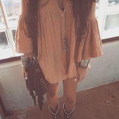 In LVE with this style! Source: amandasanft.tumblr.com #boho #bohemian #bohostyle #bohochic #bohofashion #bohoblog #fashionblogger #fashion #indie #hippie #vintage #gypsy #gypsystyle #gypsyfashion...