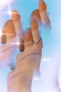 Vintage Aesthetic Discover Girls Daily Life by Mayan Toledano Girls Daily Life by Mayan Toledano Fubiz Media Fotografia Retro, Film Photography, Fashion Photography, Dreamy Photography, Reflection Photography, Photography Lighting, Foto Fantasy, Petra Collins, Photo Instagram