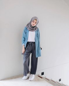 Hijab casual remaja 67 ideas spring outfit ideas в 2019 г. Modern Hijab Fashion, Street Hijab Fashion, Hijab Fashion Inspiration, Muslim Fashion, Mode Inspiration, Trendy Fashion, Icon Fashion, Fashion Spring, Fashion 2018