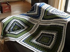 Ravelry: Giant granny square by Daria Nassiboulina