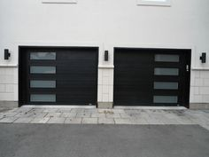 Exceptional garage door makeover - take a peek at our blog post for more choices! #garagedoormakeover Contemporary Garage Doors, Modern Garage Doors, Best Garage Doors, Garage Door Styles, Garage Door Design, Modern Door, Modern Entry, Black Garage Doors, Double Garage Door