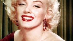 Lifetime is readying another biopic of a female showbiz star whose life was tragically cut short — hollywood icon marilyn monroe. Marilyn Monroe Fotos, Marilyn Monroe Movies, Salvatore Adamo, Best Essential Oil Diffuser, 17 Day Diet, Cancer Tattoos, Receding Gums, Photoshop, Double Chin