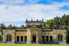 raj bari - Google Search India Architecture, Travel News, 18th Century, Barcelona Cathedral, Louvre, House Styles, Building, Beautiful, Bari