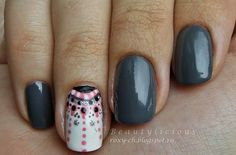 Gray mani with a pointer finger accent