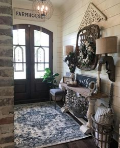When homeowners invite guests and company into their home typically the first thing that visitors see is the living room, or family room, of the house. Unless there is a foyer before the living roo… Interior Design Living Room, Living Room Designs, Room Interior, Home Living Room, Living Room Decor, Estilo Country, Country Farmhouse Decor, Antique Farmhouse, Farmhouse Small
