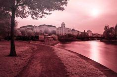 Ultragreen Vienna #infrared #danubecanal #donaukanal #vienna #canal #urania #uraniakino #sunset
