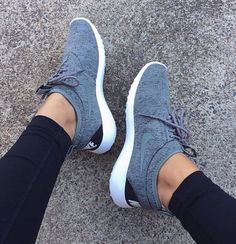 Mens/Womens Nike Shoes 2016 On Sale!Nike Air Max* Nike Shox* Nike Free Run Shoes* etc. of newest Nike Shoes for discount salenike shoes Nike free runs Nike air max Discount nikes Nike shox nike zoom Nike basketball shoes Nike air max. Cute Shoes, Me Too Shoes, Women's Shoes, Shoe Boots, Dress Shoes, Roshe Shoes, Fall Shoes, Platform Shoes, Shoes 2016