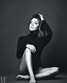These Aubrey Plaza pictures are her hottest photos ever. We found sexy images, GIFs (videos,) & wallpapers from various bikini and/or lingerie photo shoots. Studio Photography Poses, Studio Poses, Fashion Photography Poses, Fashion Poses, Studio Portraits, Portrait Photography, Modelling Photography, Photography Magazine, People Photography