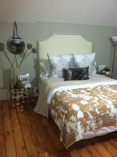 rehab addict | Nicole Curtis Rehab Addict - Master Bedroom AFTER | Case house-paint color