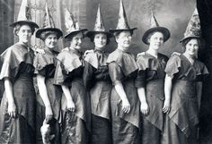 8 Bizarre and Amazing Vintage Halloween Costumes | Stuff Mom Never Told You