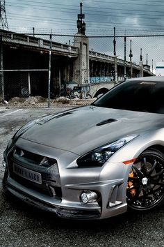 Visit The MACHINE Shop Café... ❤ Best of Nissan @ MACHINE ❤ (Silver Nissan GT-R R35 Coupé)