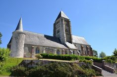 Eglise Saint-Martin (église fortifiée) .Chaourse (Aisne - Thiérache) -Picardiie