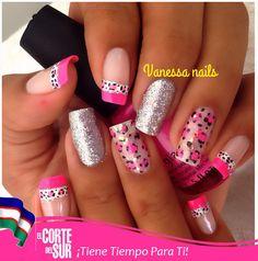 Luce tus uñas con mucho estilo. Por Vanessa Quiñonez de nuestra sede Autopista Sur. llama y solicita tu cita 5522309 ¡El Corte del Sur Peluquería Te Consiente!