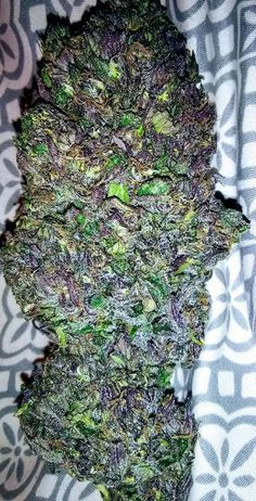 To place an order go to: www.legalcannabisshop.com Tel: +1 (908)485-7293 We have the largest variety of strains including OG Kush, pineapple kush, sour diesel, blue dream, lemon haze and more than 30 others.