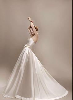 """Wedding dress """"Qu'est-ce qu'on a fait au Bon Dieu ?"""" Max Chaoul"""