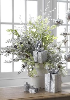 Such a beautiful white Christmas idea!!! Love it!!! -ks