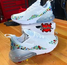 The Most Gorgeous Nike Workout Shoes for Women – Luxury Looks by Lorelei Sneakers Mode, Cute Sneakers, Sneakers Fashion, Shoes Sneakers, Hypebeast Sneakers, Women's Shoes, 60s Shoes, Hypebeast Women, Yeezy Shoes