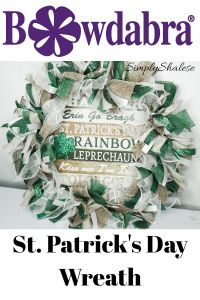 Learn how to make this amazingly easy and simple St. Patrick's Day ribbon deco mesh wreath using the Bowdabra bow maker. Bow Making Tutorials, Craft Tutorials, Video Tutorials, Porch Decorating, Decorating Ideas, Deco Mesh Wreaths, Diy Wreath, How To Make Bows, Crafts To Make