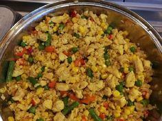 Currys zöldséges BULGUR    Kicsit talán egészségesebb és ha nincs itthon rizs, jó lesz a bulgur felkiáltással....