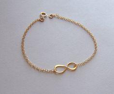 Gold asymmetrical infinity link bracelet