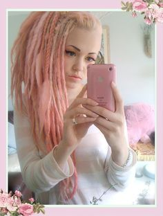 finding old photos ^. Pink Dreads, Dreads Girl, Dress Hairstyles, Cool Hairstyles, Dreads Black Women, New Hair Do, Hair Addiction, Synthetic Dreads, Dreadlocks
