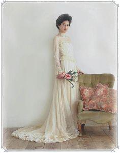 e214a4a684fef Dramaticaでは、もっと自由で楽しいウェディングスタイルを提案したいという思いから、主に50年~70年代のドレスをご用意。繊細なレース 使いのアンティーク風ドレスや ...