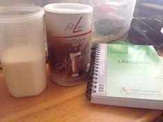 Dags att göra något åt vikten lite, så det blir en ProShape med cappuccino smak till frukost Eva Marie, Glass Of Milk, Drinks, Tableware, Food, Beverages, Dinnerware, Dishes, Essen