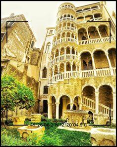 "La torre di Pisa a Venezia ""La scala Contarini del Bovolo"" Pisa, Notre Dame, Building, Travel, Rook, Buildings, Viajes, Traveling, Tourism"