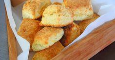 Aprende a preparar esta receta de Scons de Queso y Pimienta, por Hermanos Petersen en elgourmet