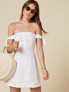 Like Positano in dress form. This is an off-the-shoulder, fit and flare dress with arm ties and center back zipper. Dress Outfits, Casual Dresses, Short Dresses, Dress Up, Fashion Outfits, Dress Form, Swing Dress, Flare Dress, Summer Outfits