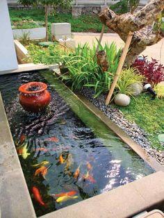Minimalist Fish Pond Design Ideas For Your Home Backyard Beauty - Home Decor Small Backyard Ponds, Backyard Water Feature, Backyard Ideas, Garden Ideas, Outdoor Fish Ponds, Backyard Privacy, Small Ponds, Small Backyards, Small Patio