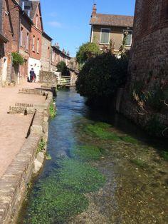 La Veules, plus petit fleuve de France qui se jette dans la Manche, 1149 mètres. Veules les Roses. 76 Seine Maritime. 9-05-2015.