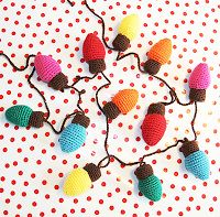 Annemarie's Haakblog: Crochet Christmas Lights (see link in post to free pattern on Ravelry)